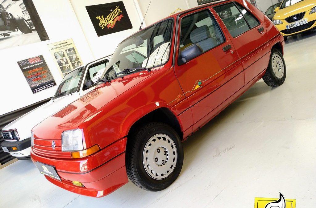 Renault Super 5 (merece la pena verlo)
